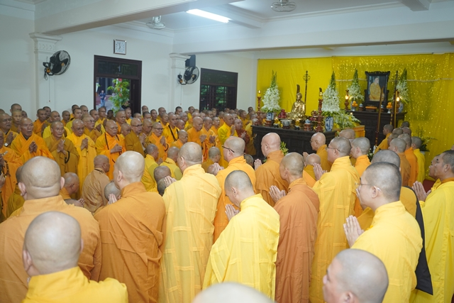 Trà tỳ nhục thân cố Trưởng lão Hòa thượng Thích Trí Quang